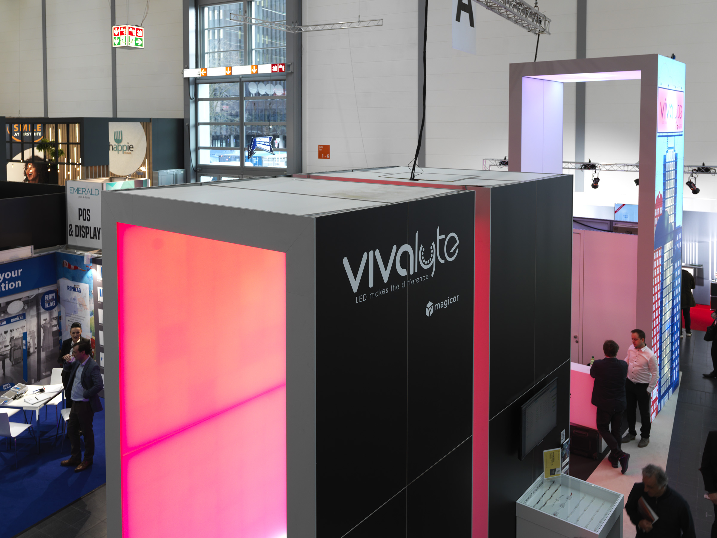 Vivalyte large format retail marketing light box led