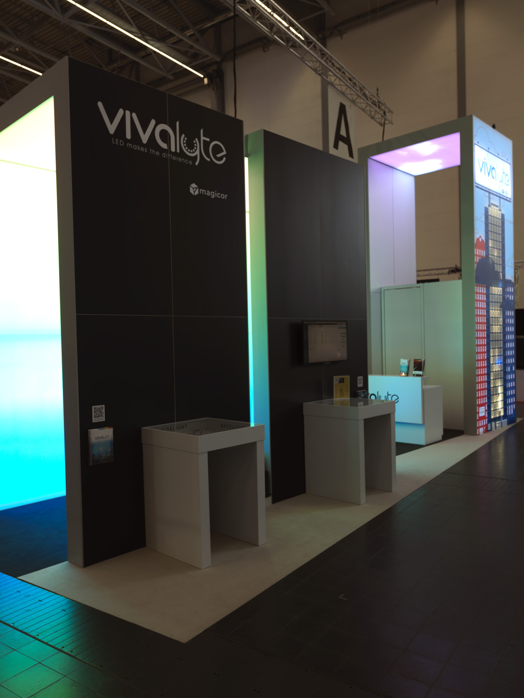 Vivalyte retail marketing communication and signage solutions Euroshop
